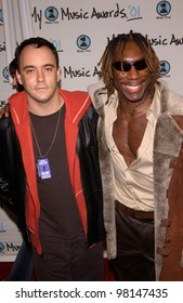 Pop star DAVE MATTHEWS (left) & BOYD TINSLEY at the My VH1 Music Awards in Los Angeles. 02DEC2001.   Paul Smith/Featureflash