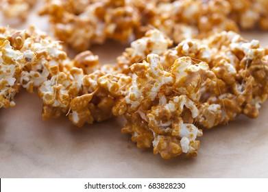 Popcorn with caramel sauce