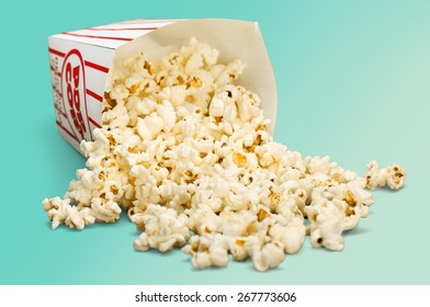 Popcorn, Spilling, Isolated.