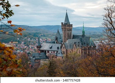 A popular excursion destination of Wernigerode castle in the autumn. Saxony-Anhalt, Germany
