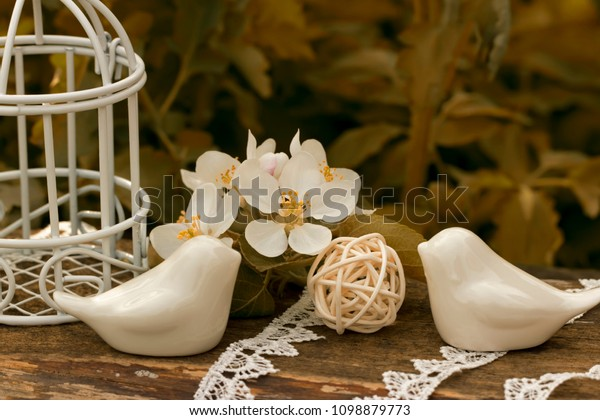 porcelain-birds-cage-flowers-appletree-6