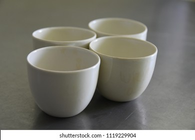Porcelain crucibles for laboratory analysis
