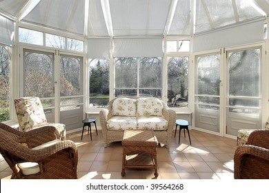 Porch with dome ceiling