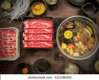 Pork and beef with vegetable in the sukiyaki shabu. (Selective focus)