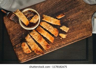 pork cutlet <Tonkatsu>