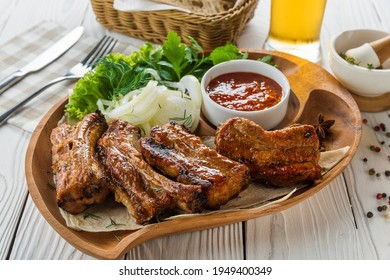 Pork ribs with vegetables and beer