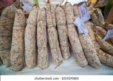pork sausage and sausage production Italian tilpici products good Italian cuisine