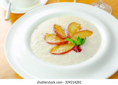 Porridge decorated with fruits