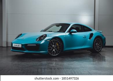 Porsche 911 Turbo S Miami Blue. Hamburg, Germany. 11.06.2020