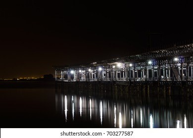 Port of the city of huelva in the night