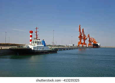 Port crane work