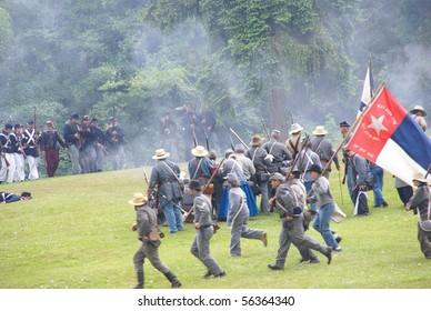 PORT GAMBLE, WA - JUN 20  :  Confederate infantry reinforces their line during a mock Civil War battle on Jun 20, 2009 in Port Gamble WA