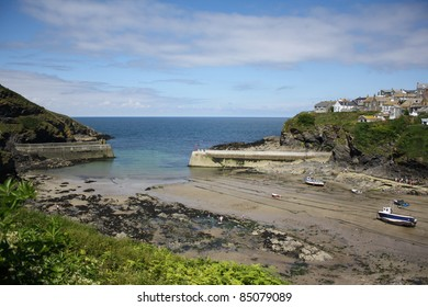 Port Isaac harbour entrance Cornwall