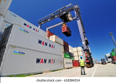 Port of Laem Chabang - April -05-2017-Reach Stucker Logistic by train. transportation.One stop Logistic service  Laem Chabang port.Port of Laem Chabang.