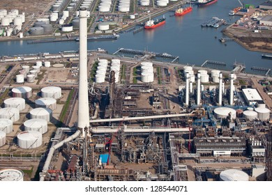 Port oil refinery and terminal