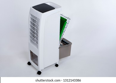 Portable air conditioner. Air cleaning. Replacing the filter in the air conditioner. Outdoor air purifier. Filters for  purifier.