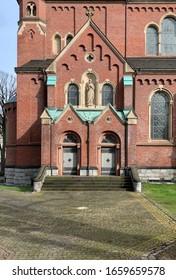 Portal einer Kirche in Deutschland