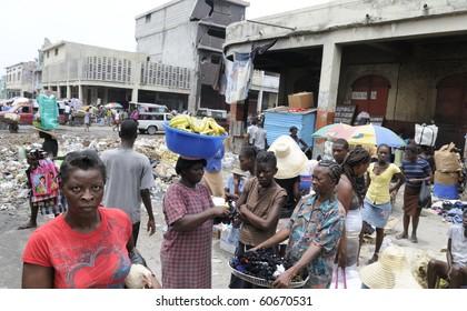 PORT-AU-PRINCE - AUGUST 21: Female Vendors on  the  streets of  Port-Au-Prince, Haiti on August 21, 2010.