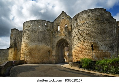 The Porte des Tours, one of best preserved ancient gate in Domme bastide town, in south of the Dordogne. It is a part of ramparts converted into prison by king when the Knights Templars were arrested.