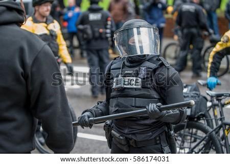 Protester mot 3 g