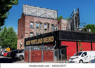 Portland Oregon USA 2019 05 11 Keep Portland Weird Sign