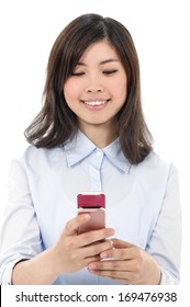 Portrait of asian business young woman talking on mobile phone