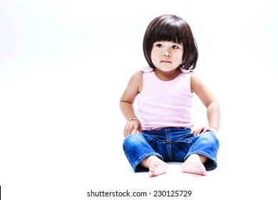 portrait asian girl sitting and look in left
