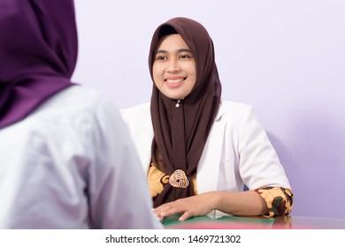 Hijab Bertopi 7