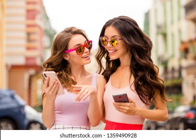 Portrait beautiful bloggers trendy stylish people best students hairstyle travel use apps news gesture stroll show adverts recommend advise look choose sale specs spring outfit town center