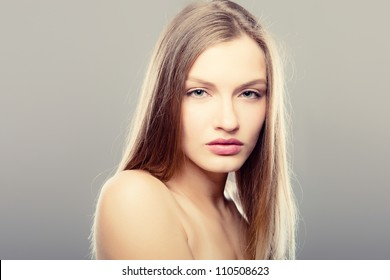 Portrait of beautiful girl - healthy skin