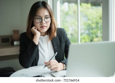 Portrait of beautiful smiling young businesswoman