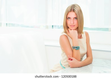 portrait of a beautiful woman in the cafe. resting and relaxing, urban lifestyle