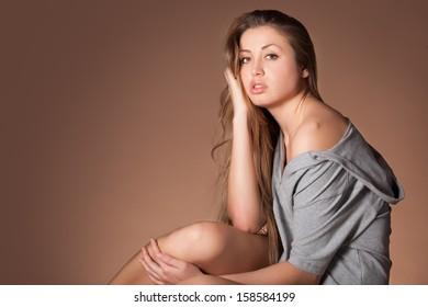Portrait of beautiful yong woman