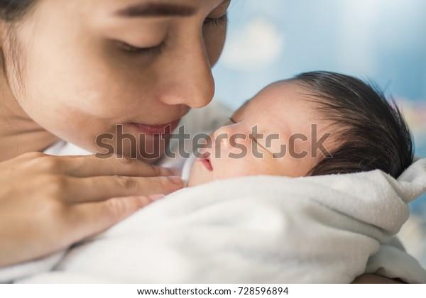 Svobodné mladé matky