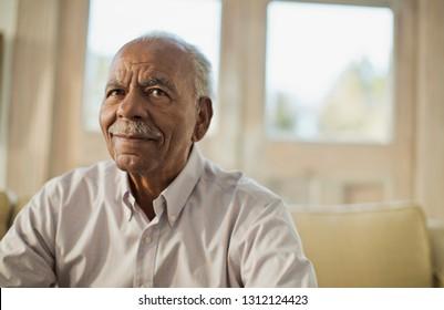 Porträt eines inhaltlichen Senioren.