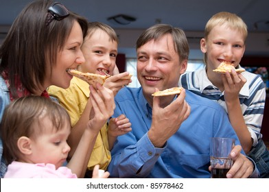 portrait of a cute people eating pizza