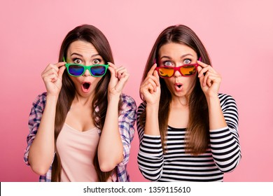 Portrait of cute pretty cheerful fellows fellowship impressed by information sales discounts have eyeglasses open mouth screaming shouting isolated wear spring outfit on pink background