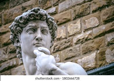 Retrato de la escultura de David en la plaza de la ciudad de Florencia