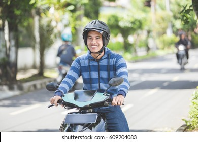 Amateur blonde riding