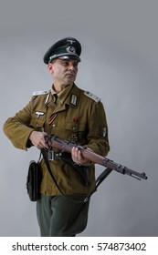 portrait of a man in a captain's uniform of the Wehrmacht during the years 1930-1940