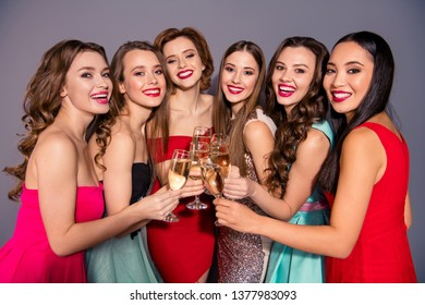 Portrait of nice-looking lovely gorgeous lovable fascinating stunning company cheerful elegant diverse ladies student congratulate isolated over gray violet pastel background