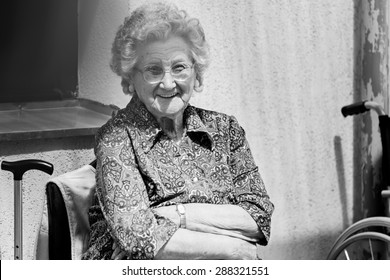 Portrait of a old woman - smiling