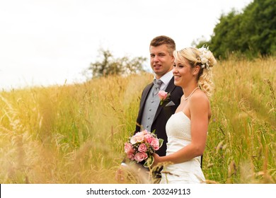 Portrait pics of a wedding couple