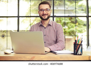 Man Behind Desk Sitting Images Stock Photos Vectors