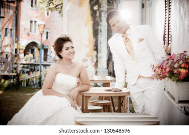 The portrait of Thai Bride and Groom