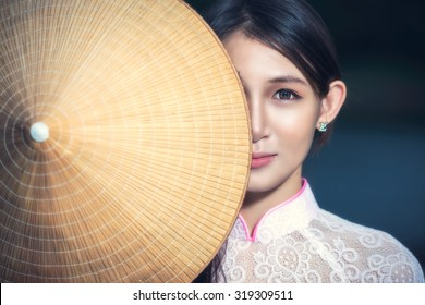 Portrait of Thai girls with Ao Dai, Vietnam traditional dress, Ao dai is famous traditional costume for woman in VIetnam.