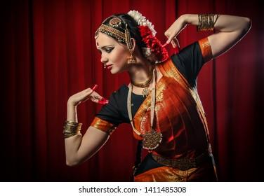 Bharatanatyam Poses Images Stock Photos Vectors Shutterstock