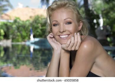 Blonde lesbian pool commit error
