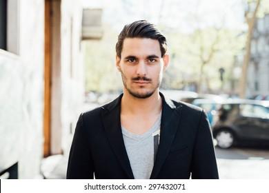 What do italian men look like