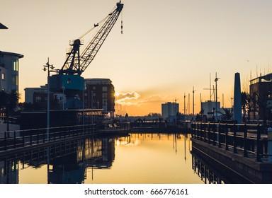 Portsmouth Gunwharf sunset / Crane and Harbor